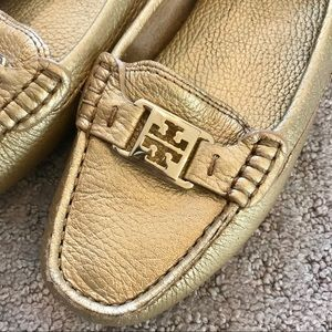 Tory Burch gold leather loafers sz 7.5